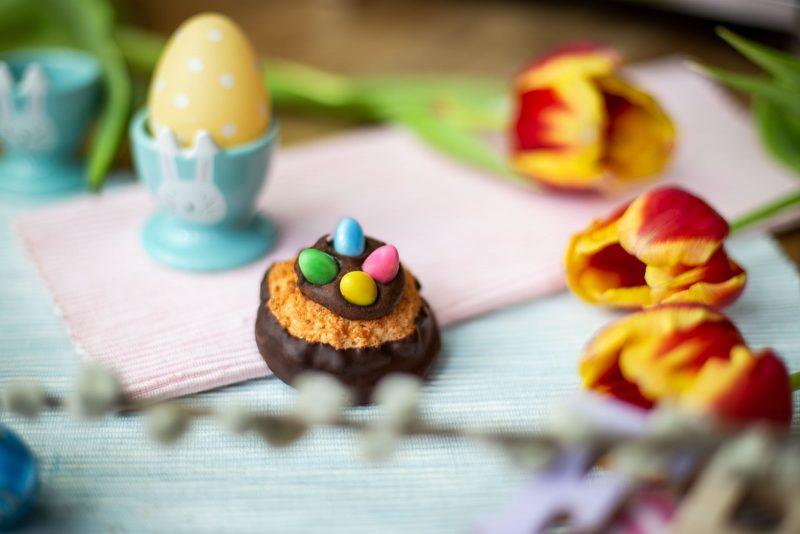 1600-blaschke-kokos-kokoskuppeln-naschen-dessert-nadjanemetz-nadja-nemetz-violetfleur-violet-fleur-foodblogger-food-blogger-easter-ostern-18