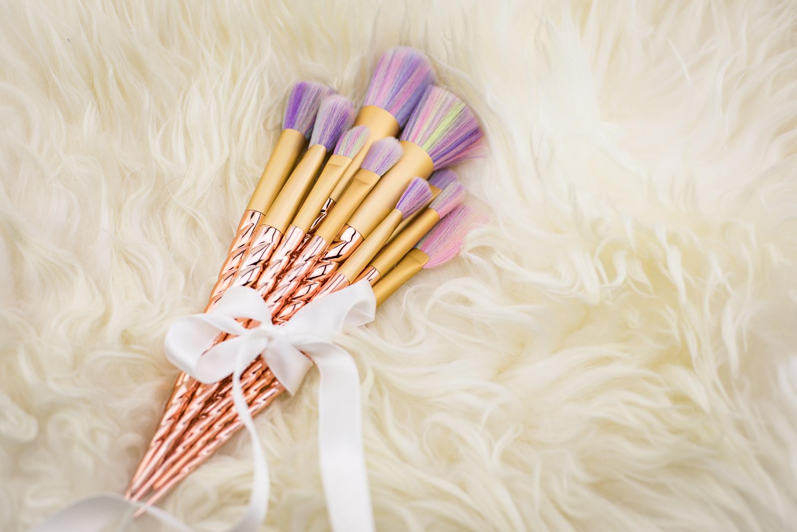 mega trend einhorn make up brushes violetfleur. Black Bedroom Furniture Sets. Home Design Ideas