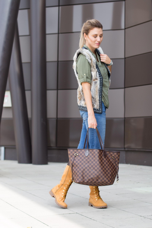 michael-kors-watch-newone-Foto-by-Nadja-Nemetz-Wien-wienerblogger-blogger-fashionblogger-modeblogger-fashion-mode-outfit-louis-vuitton-neverfull-handbag-handtasche-timberland-stiefel-olive-shirt-primark-fellgilet-fell-pelz-pelzgilet-5