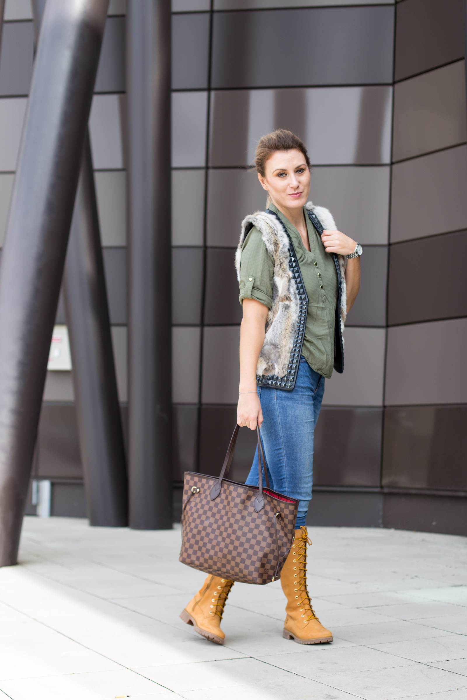 michael-kors-watch-newone-Foto-by-Nadja-Nemetz-Wien-wienerblogger-blogger-fashionblogger-modeblogger-fashion-mode-outfit-louis-vuitton-neverfull-handbag-handtasche-timberland-stiefel-olive-shirt-primark-fellgilet-fell-pelz-pelzgilet-6