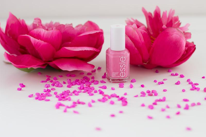essie_pink_rosa_lovie_dovie-nagellack-1