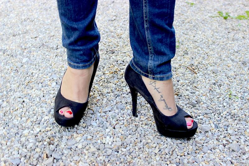 jeans_with_heels_5_peplum
