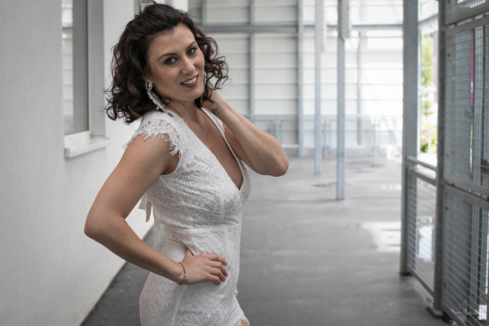 outfit_outfitpost_stradivarus_shooting_blog_wien_vienna_outfit_fotobyannaschuecker_anna_schuecker_annaschuecker_nadjanemetz_nadja_nemetz_violetfleur_violet_fleur_jumpsuit_white_lace_whitelace_summeroutfit_summer_party_partyoutfit_helenadia_helena_dia_2