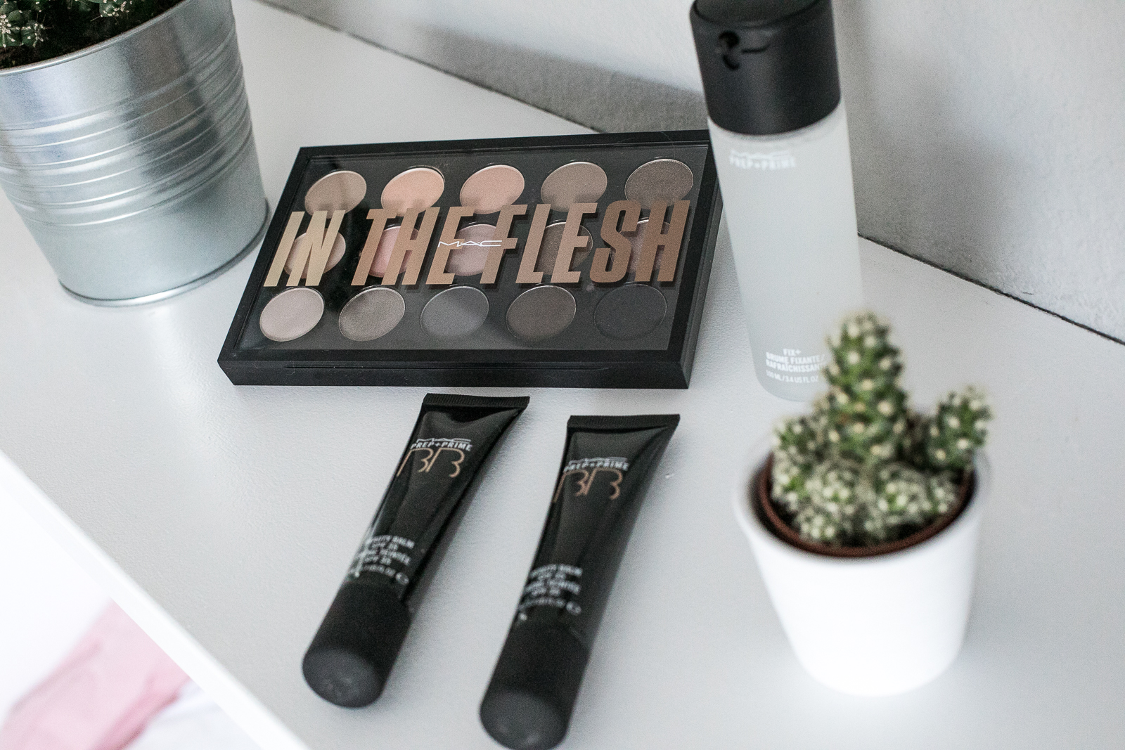 Foto-by-Nadja-Nemetz-Wien-wienerblogger-blogger-beautyblogger_lifestyleblogger-lifestyle-beauty-newin-new-in-mac-maccosmetics-intheflesh-in-the-flesh-palette-eyeshadow-nudes-bbcream-bb-cream-fixingspray-fixing-spray-3